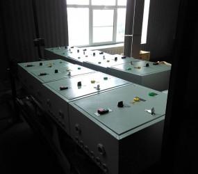 Ящики управления асинхронными двигателями с однофазным приводом.